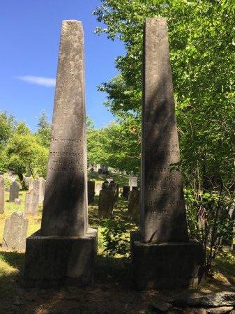 BURGESS MONUMENTS, - - Windham County, Vermont   - BURGESS MONUMENTS - Vermont Gravestone Photos